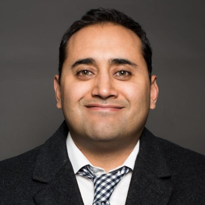 Dr. Lujhon Florez, MD, DipIBLM